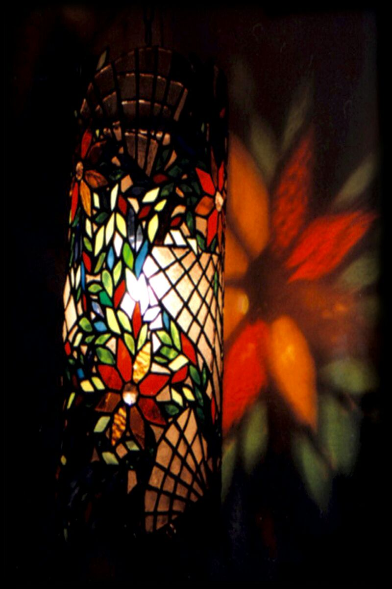 Stained_Glass_-_Piller_Lamp